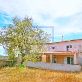 Casa de recuperacao bancaria muito proxima do centro de Loule em llocalizada no campo muito tranquilo